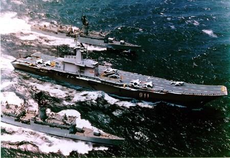 """Video: Kiếp """"sống mòn"""" của hàng không mẫu hạm duy nhất ở Đông Nam Á - ảnh 1"""