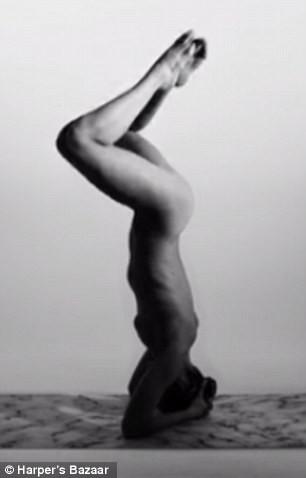 Video: Yoga khoả thân nghệ thuật hút hồn người xem - ảnh 3