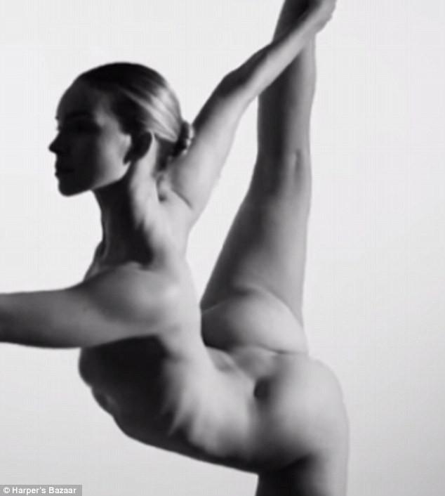 Video: Yoga khoả thân nghệ thuật hút hồn người xem - ảnh 1