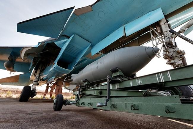 Máy bay Nga đánh sập cầu trên sông Euphrate, quân IS sắp đói - ảnh 2