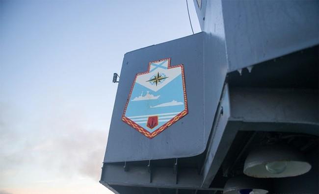 Chùm ảnh tàu ngầm hạt nhân Nga phóng tên lửa Bulava - ảnh 1