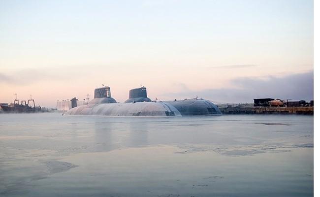 Chùm ảnh tàu ngầm hạt nhân Nga phóng tên lửa Bulava - ảnh 2