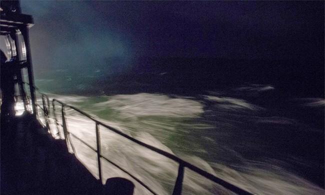 Chùm ảnh tàu ngầm hạt nhân Nga phóng tên lửa Bulava - ảnh 4