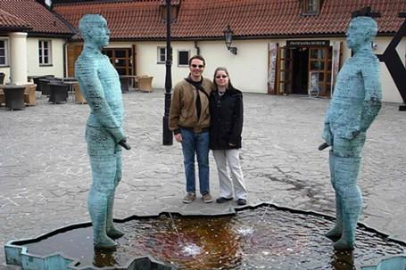 Những bức tượng khiến bạn... không thể nhịn cười - ảnh 3