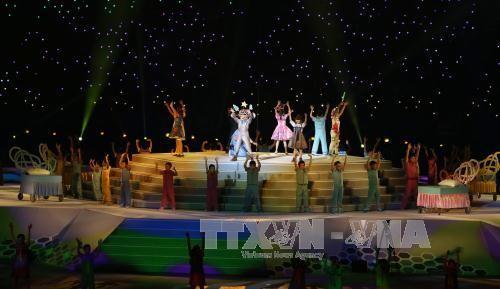 Khai mạc SEA Games 28: Đại tiệc âm thanh, ánh sáng tôn vinh sự phi thường  - ảnh 2