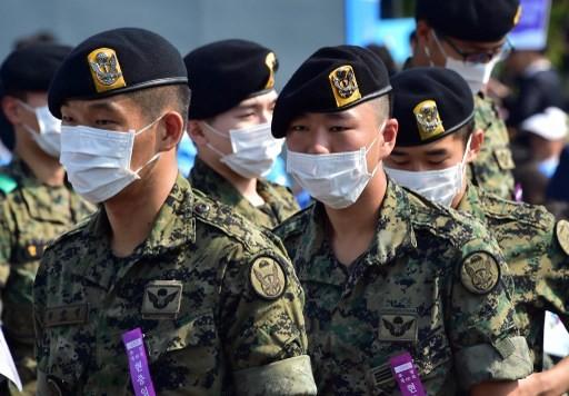 Hàn Quốc 'ngập' khẩu trang vì MERS  - ảnh 9