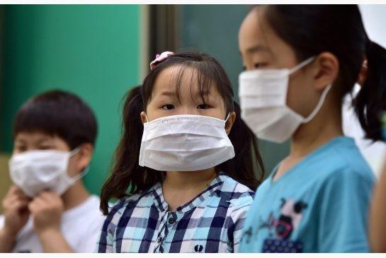 Hàn Quốc 'ngập' khẩu trang vì MERS  - ảnh 13
