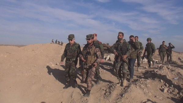 Quân đội Syria cố gắng tấn công, IS quyết giữ nguồn sống - ảnh 12