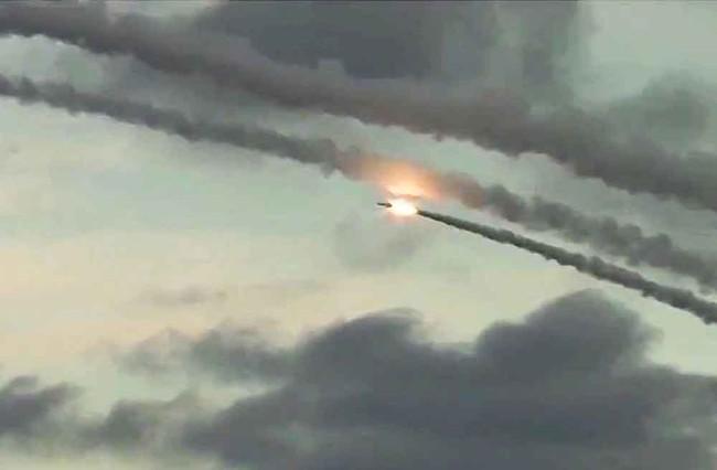 Chiến sự Syria nóng bỏng, Nga không kích ồ ạt, Thổ Nhĩ Kỳ đòi lập vùng cấm bay - ảnh 7