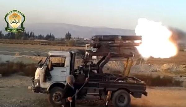 Tấn công với T-90 ở Aleppo, thế phong tỏa biên giới Thổ Nhĩ Kỳ của quân đội Syria rõ dần - ảnh 20