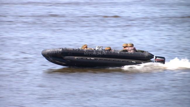 Video: Lực lượng công binh Nga dũng mãnh vượt sông Oka - ảnh 2