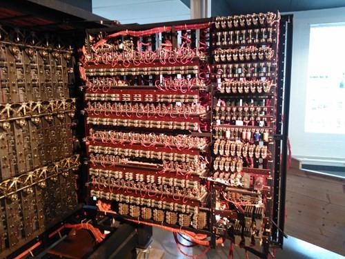 Phan dang cay nguoi giai bi an may mat ma Enigma-Hinh-2