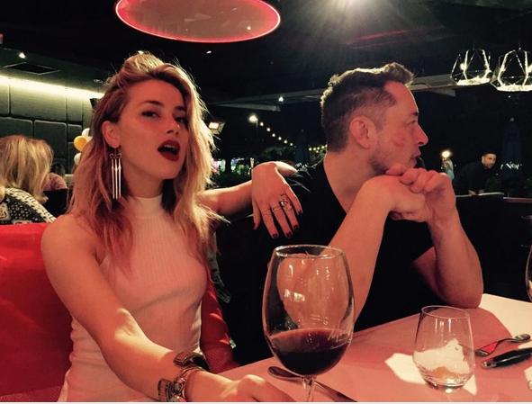 CEO của Tesla Elon Musk chia tay bạn gái Amber Heard - ảnh 1