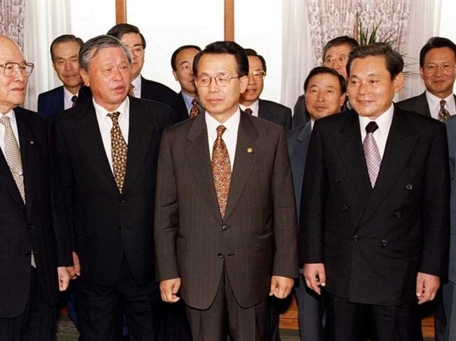"""Cuộc chiến thừa kế và chuyện """"thâm cung bí sử"""" của đế chế Samsung - ảnh 9"""
