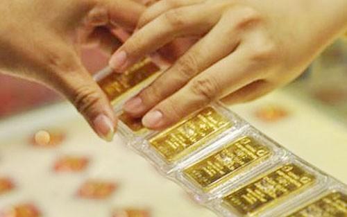 Vàng cất két sắt bốc hơi trăm tỷ: Đại gia phát hoảng - ảnh 2